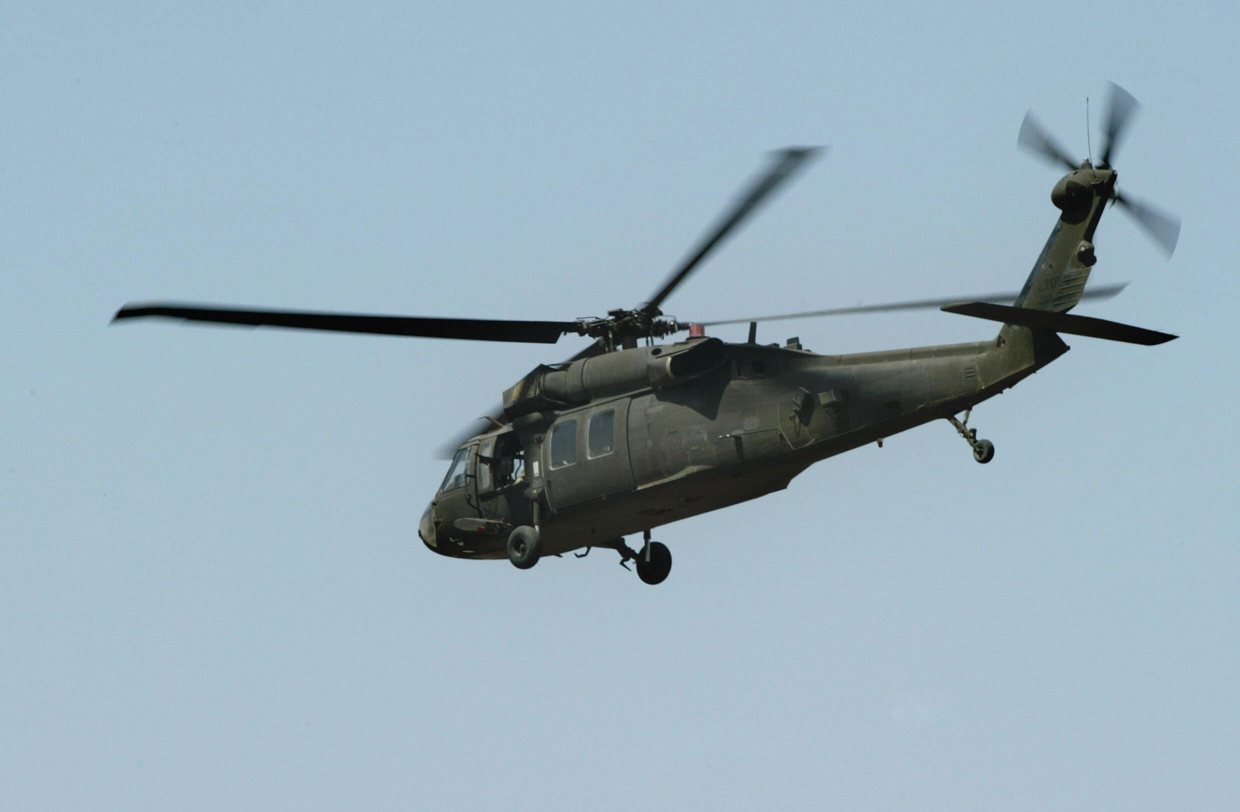 GettyImages-73813801 Black Hawk helicopter