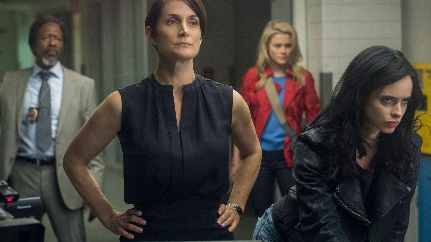 Carrie-Ann-Moss-Rachael-Taylor-and-Krysten-Ritter-in-Jessica-Jones