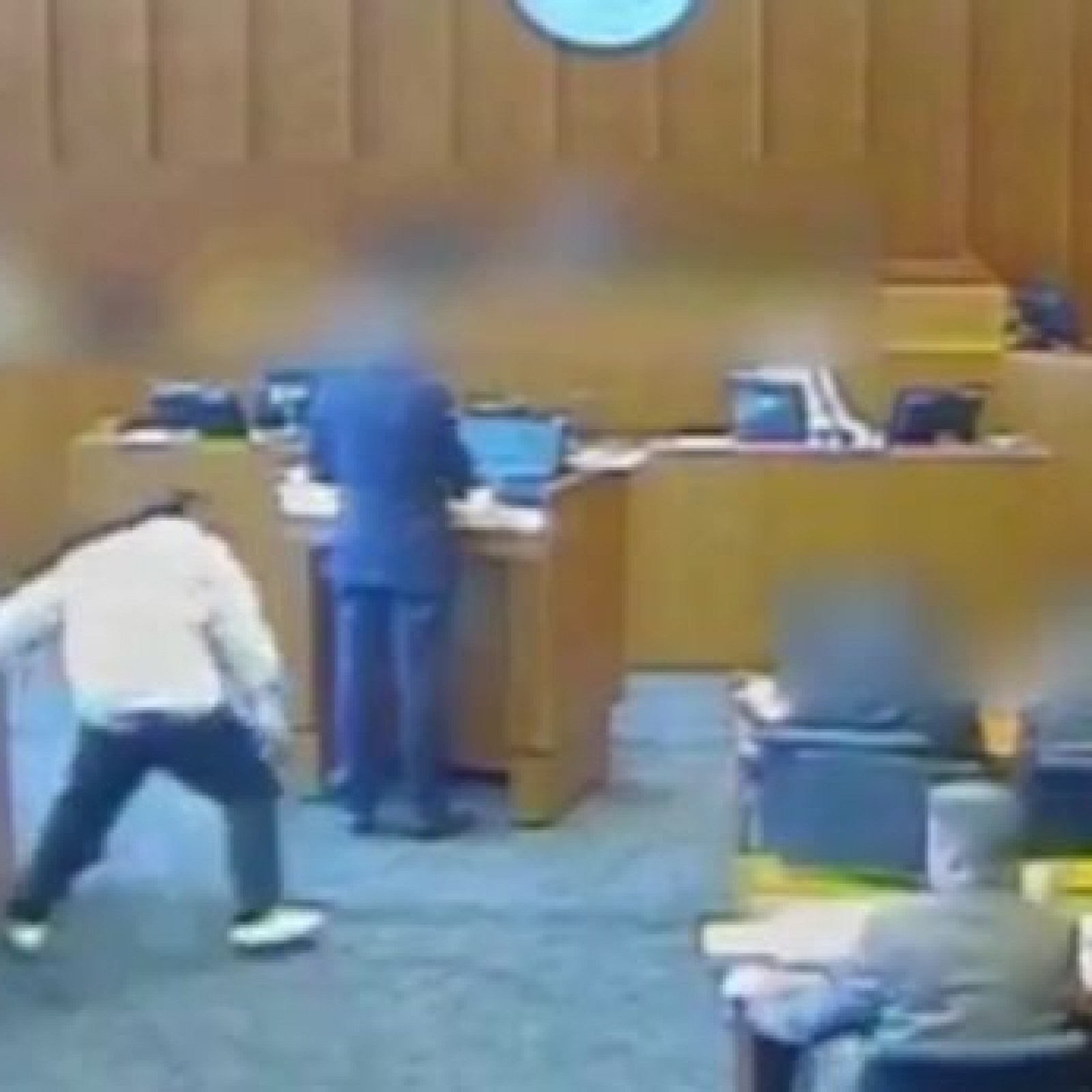 Video of Crips Gangster Shot Dead in Court As He Attacks Witness