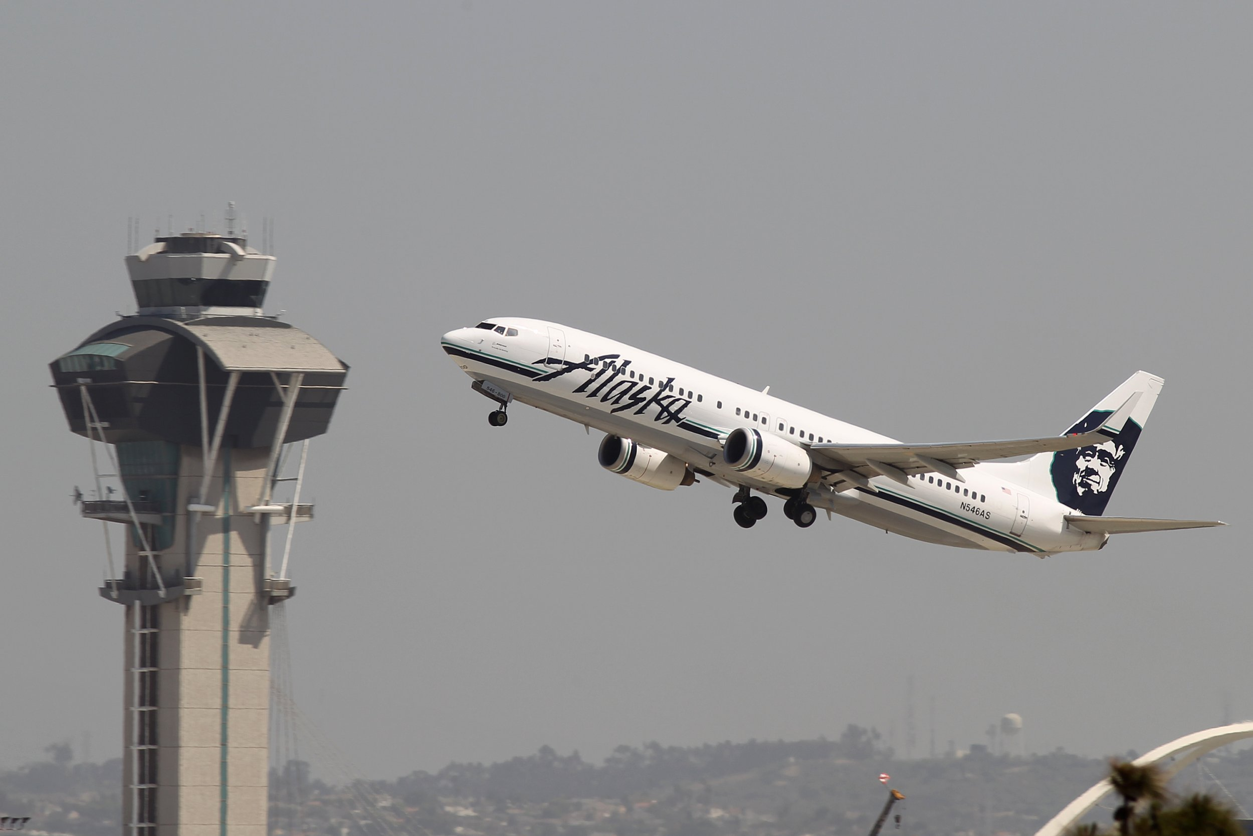 Alaska Airlines Co Pilot Sues Company After Claiming She