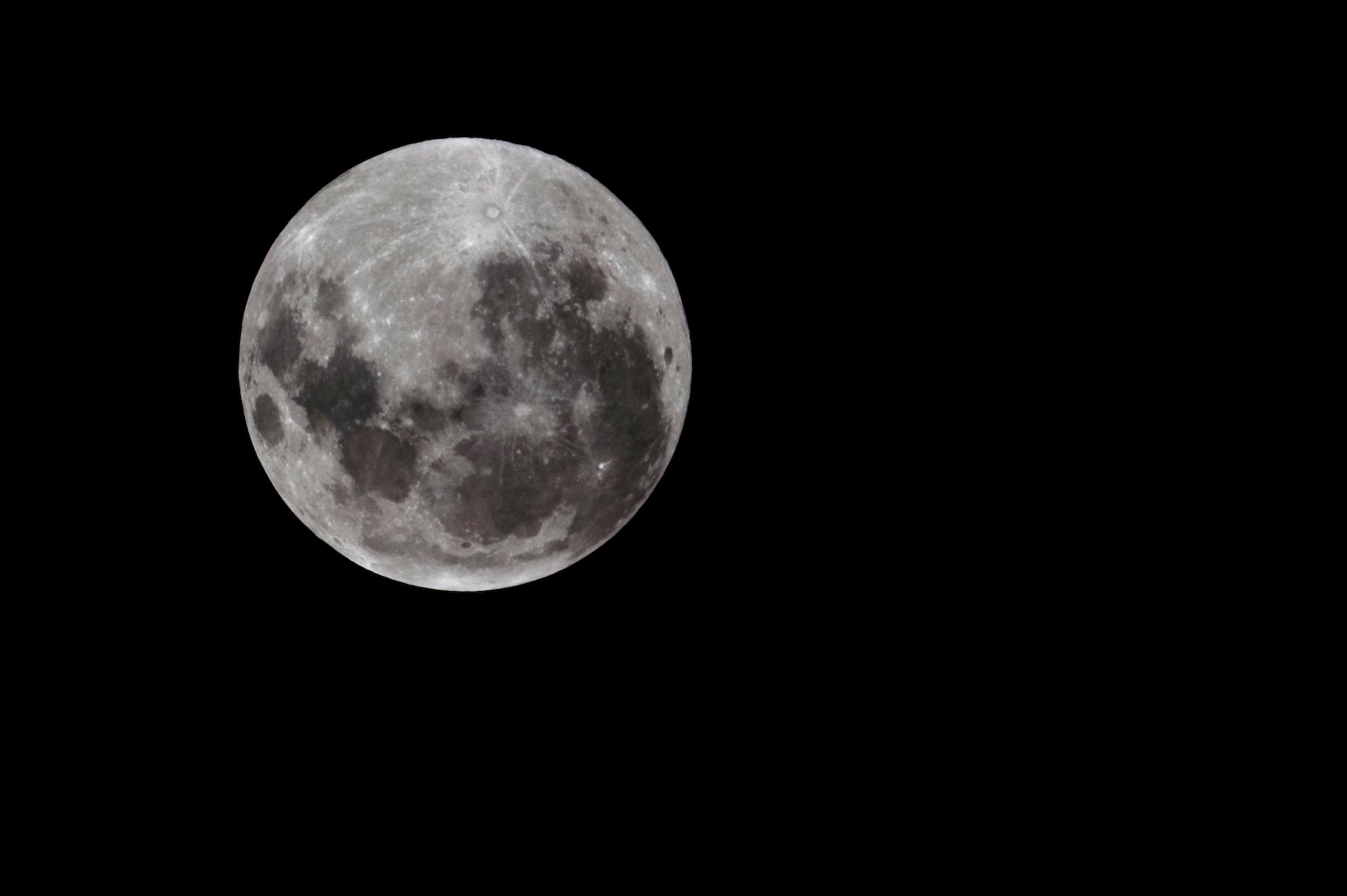 03_15_moon