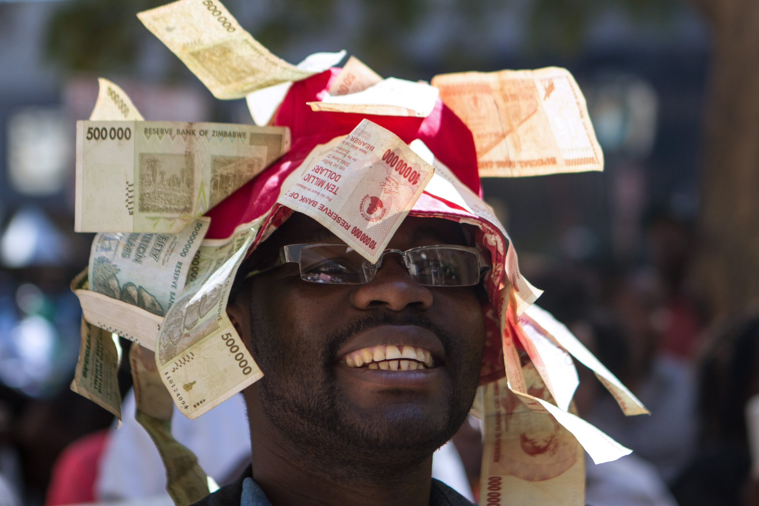 GettyImages-585538526 Hyperinflation Zimbabwe protest
