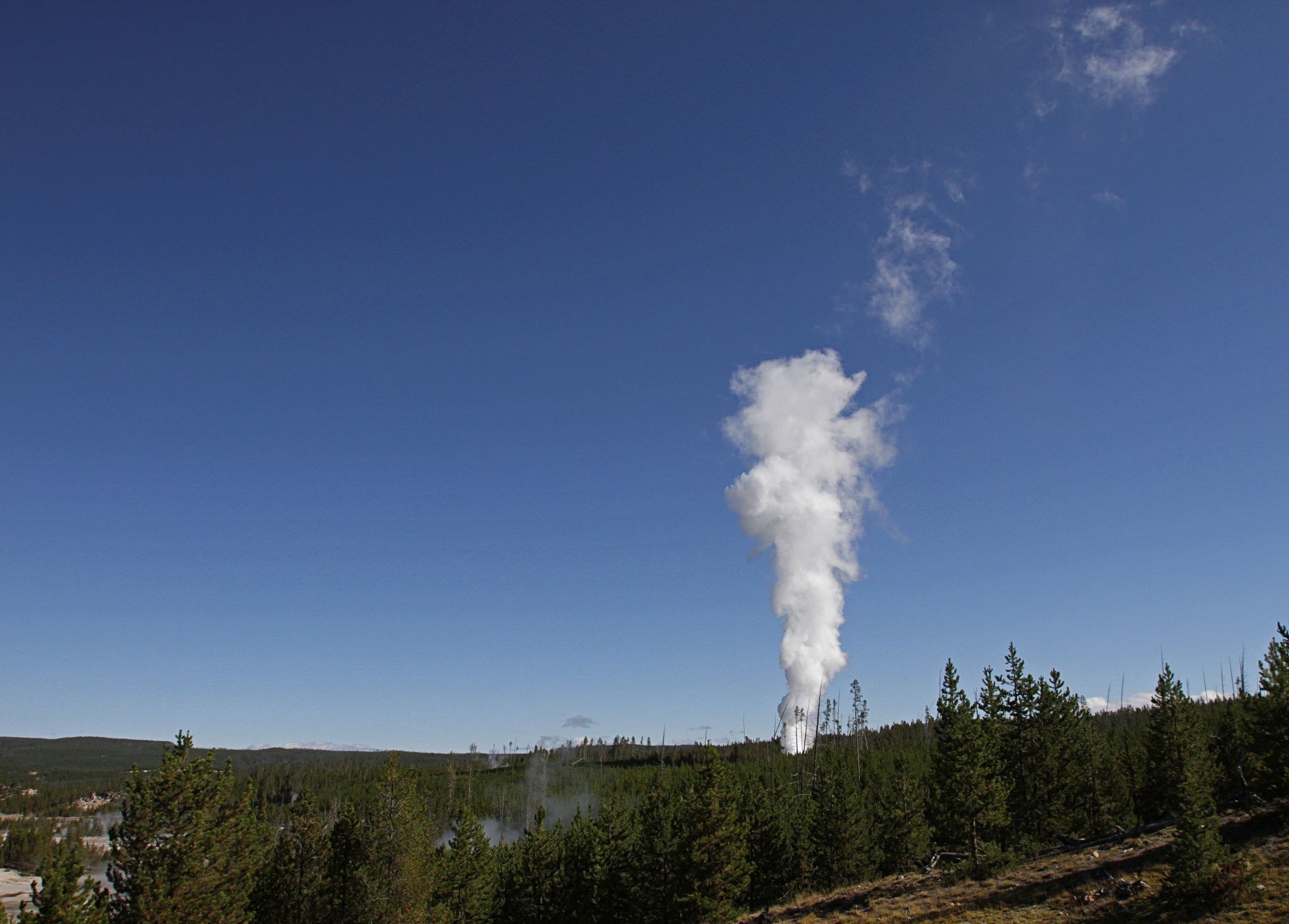 03_19_yellowstone_steamboat_geyser