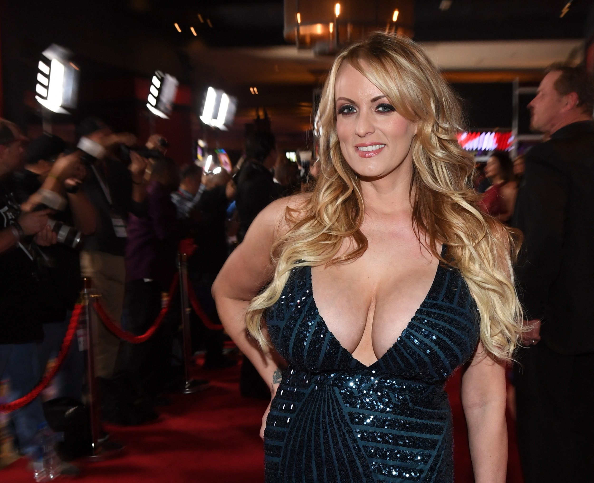 Theres No Monica Lewinsky Type Dress For Stormy Daniels, Her Lawyer Says About -5275
