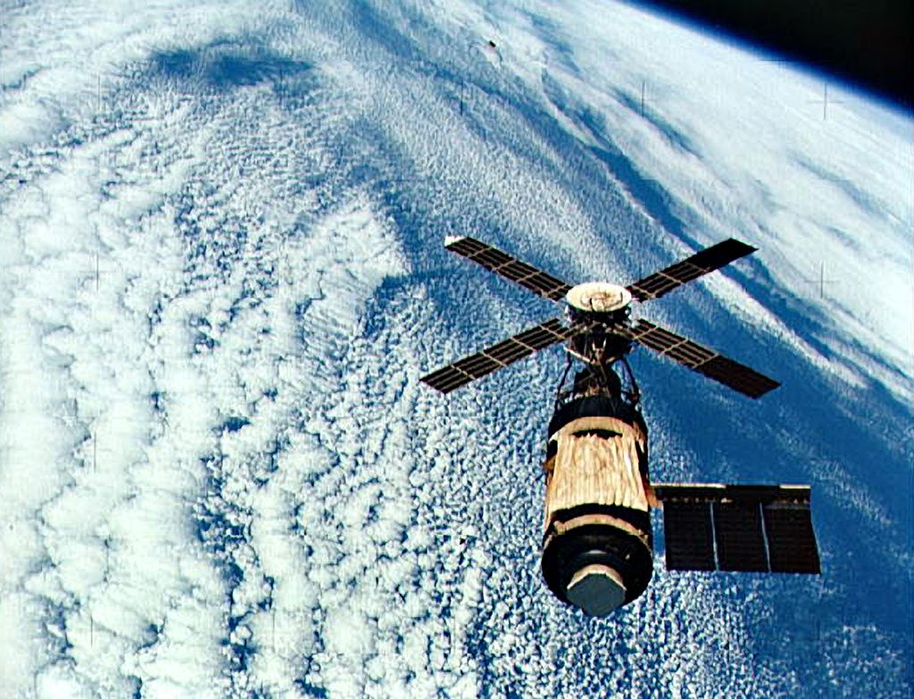 03_28_skylab_space_station