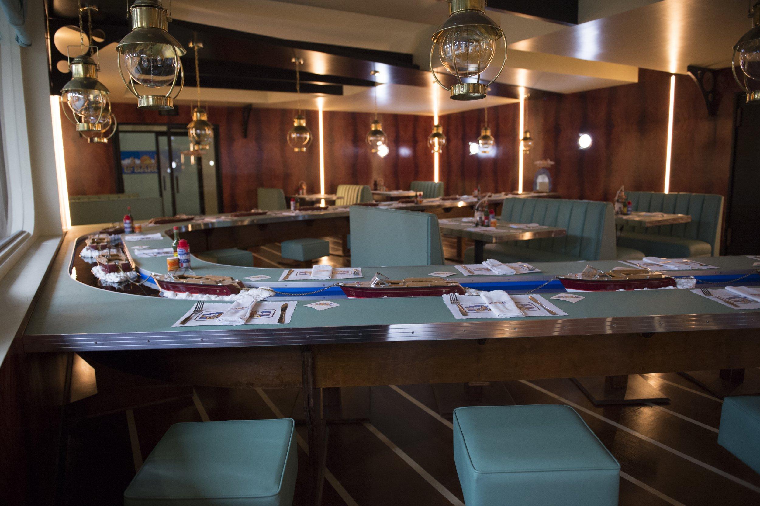 legion season 2 la barca restaurant michael wylie