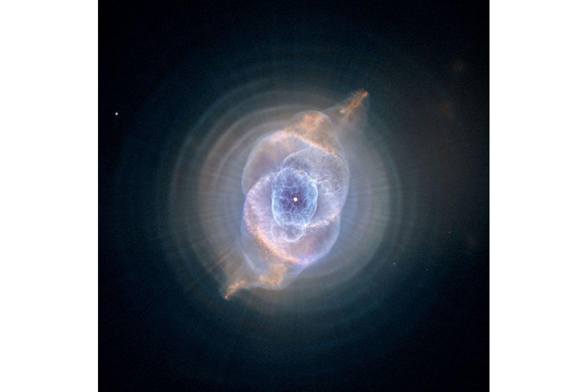 02 Cats Eye Nebula