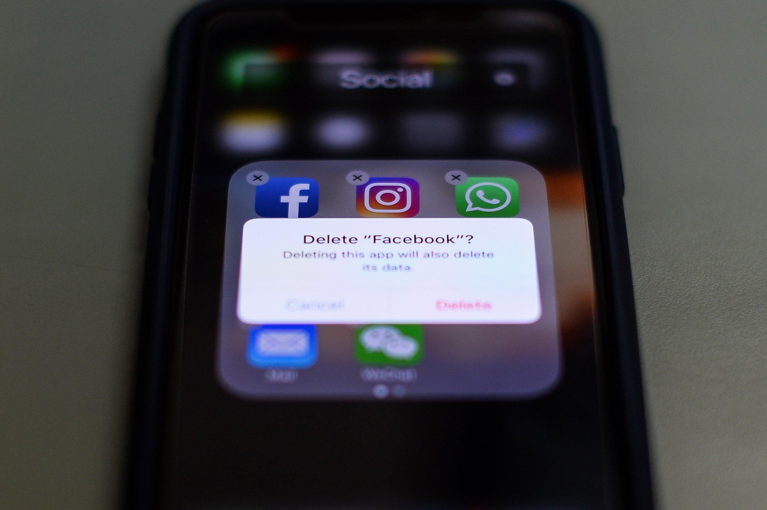 delete facebook app?