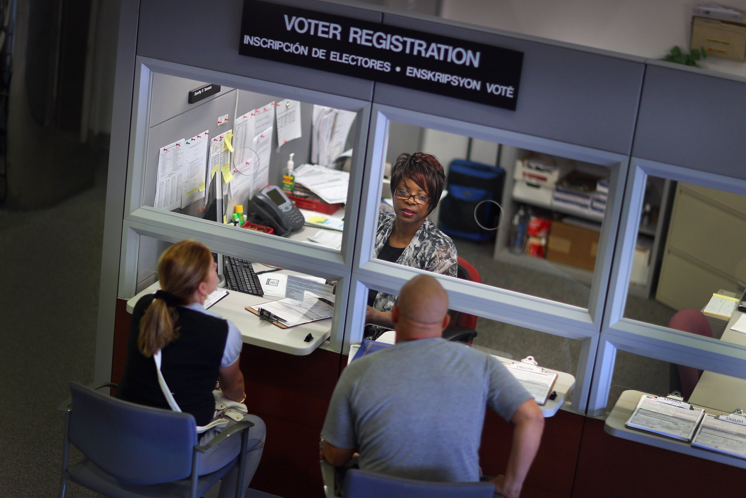 Automatic Voter Registration at Parole and Welfare Offices Proposed