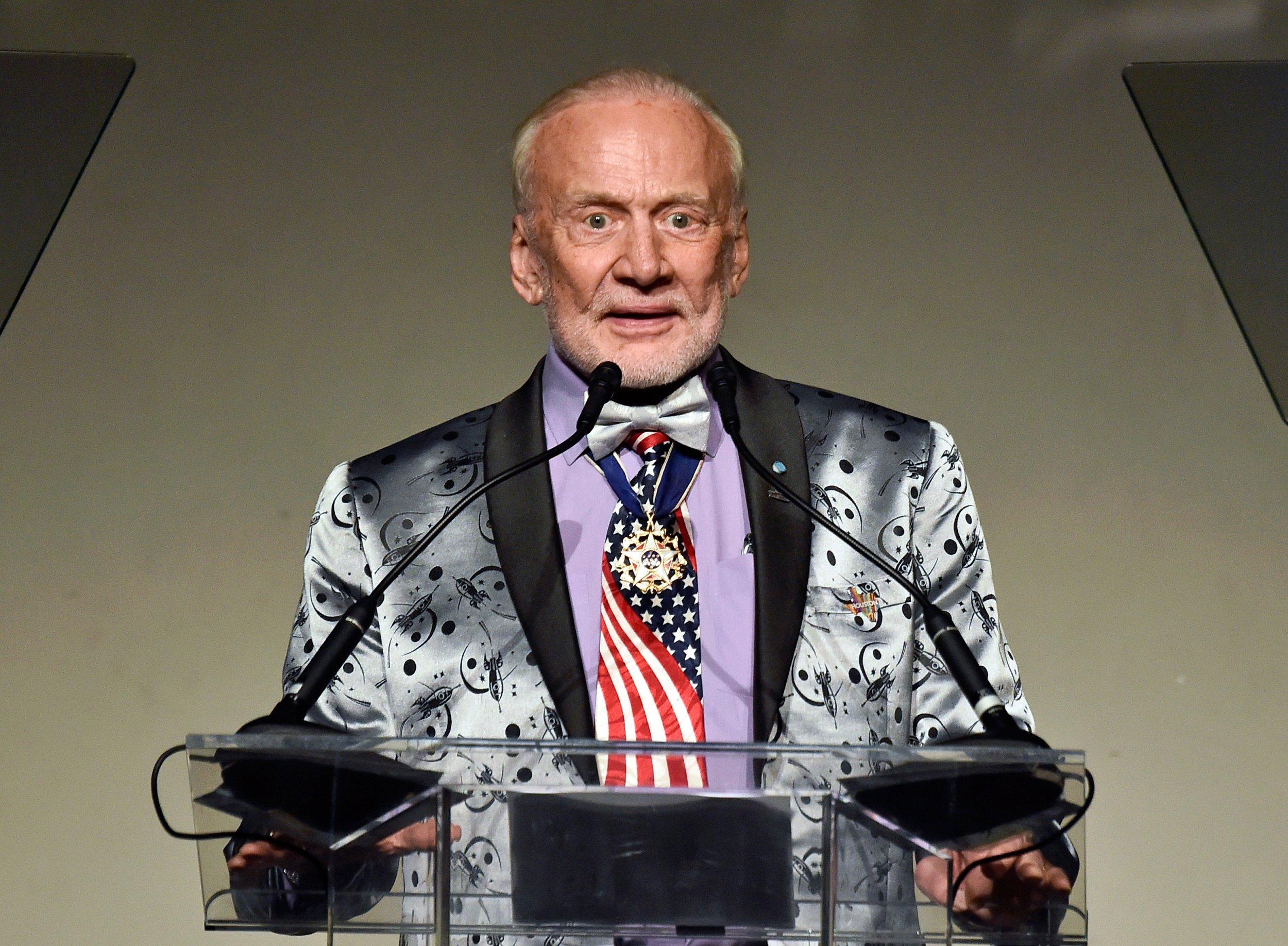 4_9_Buzz Aldrin