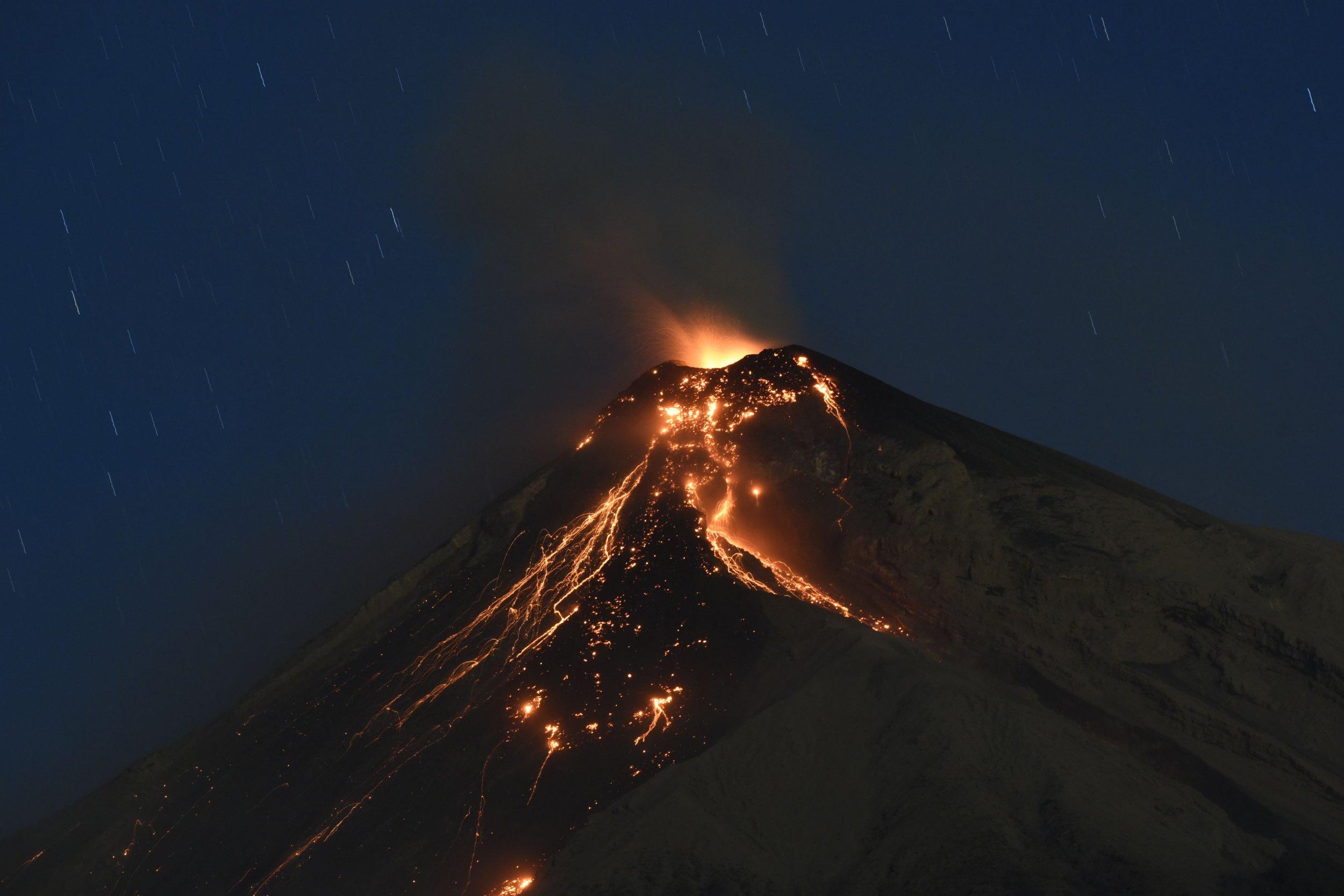 4_10_Fuego Eruption
