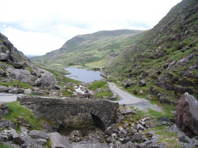 Gap_of_Dunloe_Auger_Lake_depuis_le_col