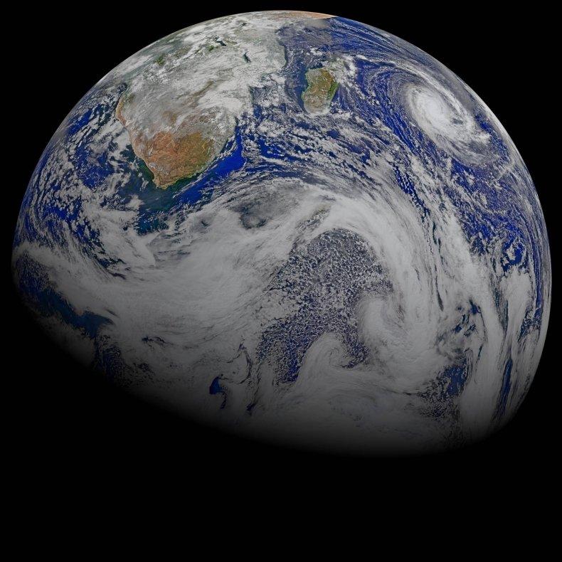 4_11_Earth