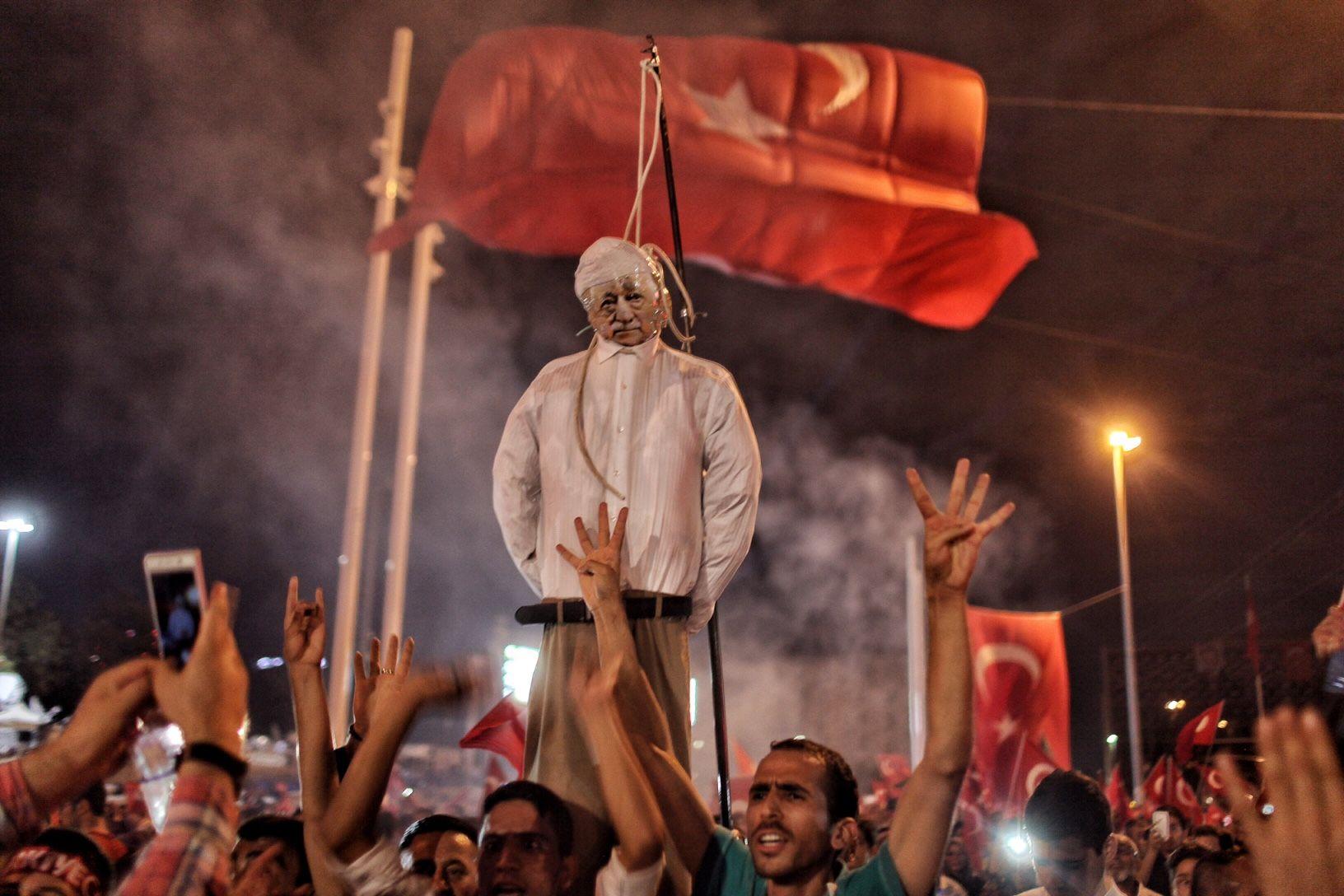 Fethullah Gulen effigy