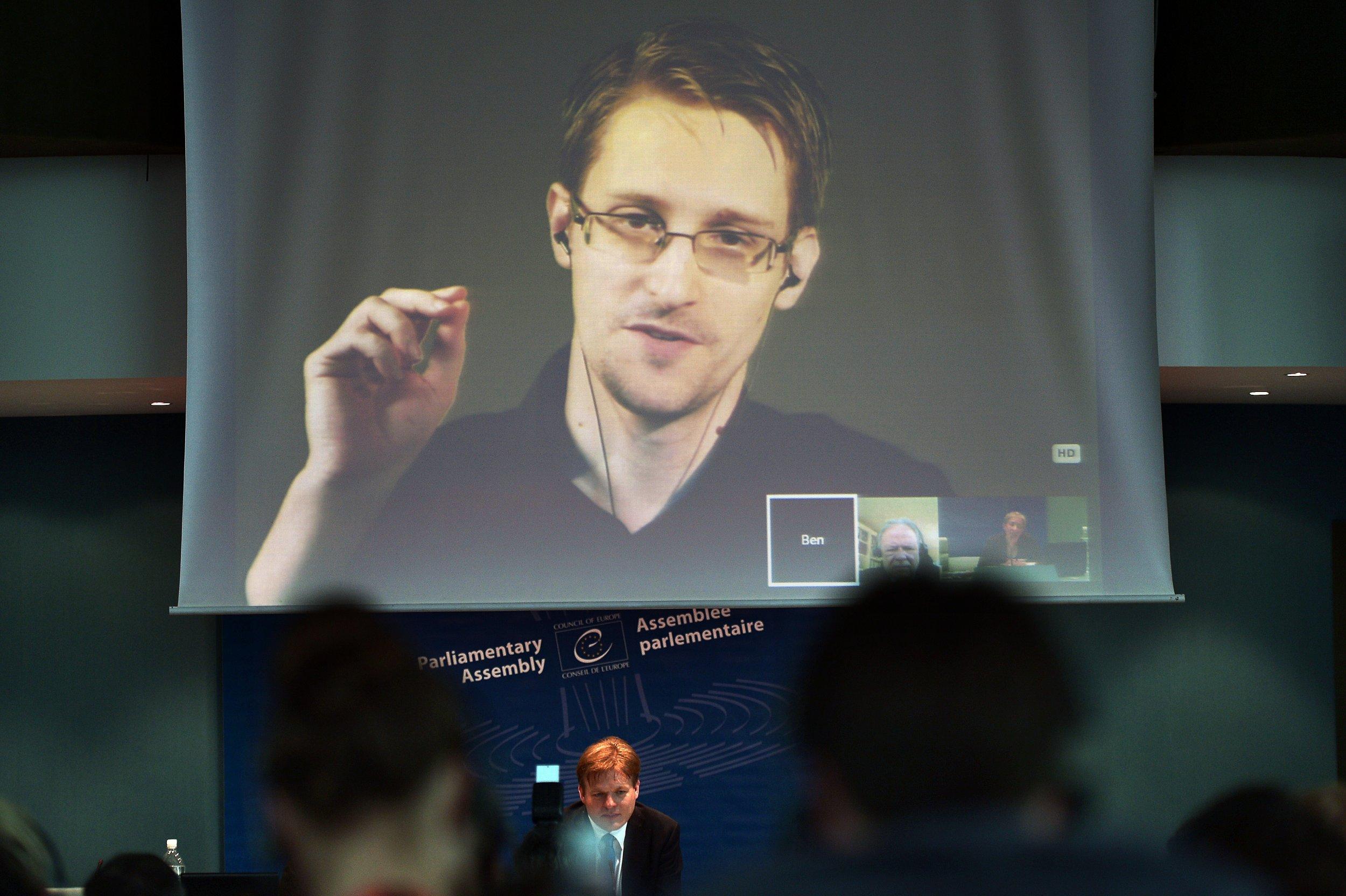 04_18_Snowden