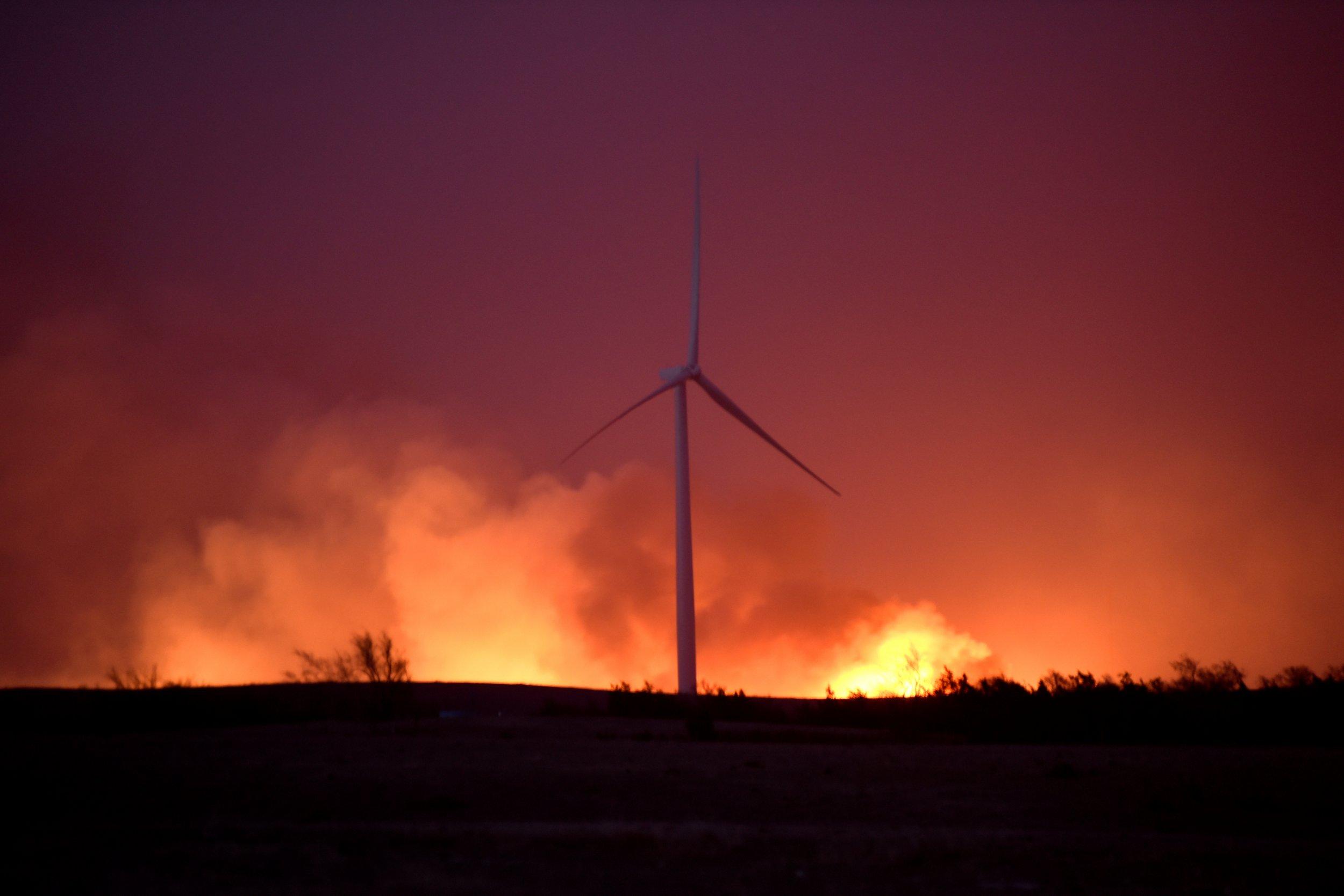 Rhea Fire Map.Oklahoma Rhea Fire Pictures Show 253 000 Acre Wildfire Near Seiling