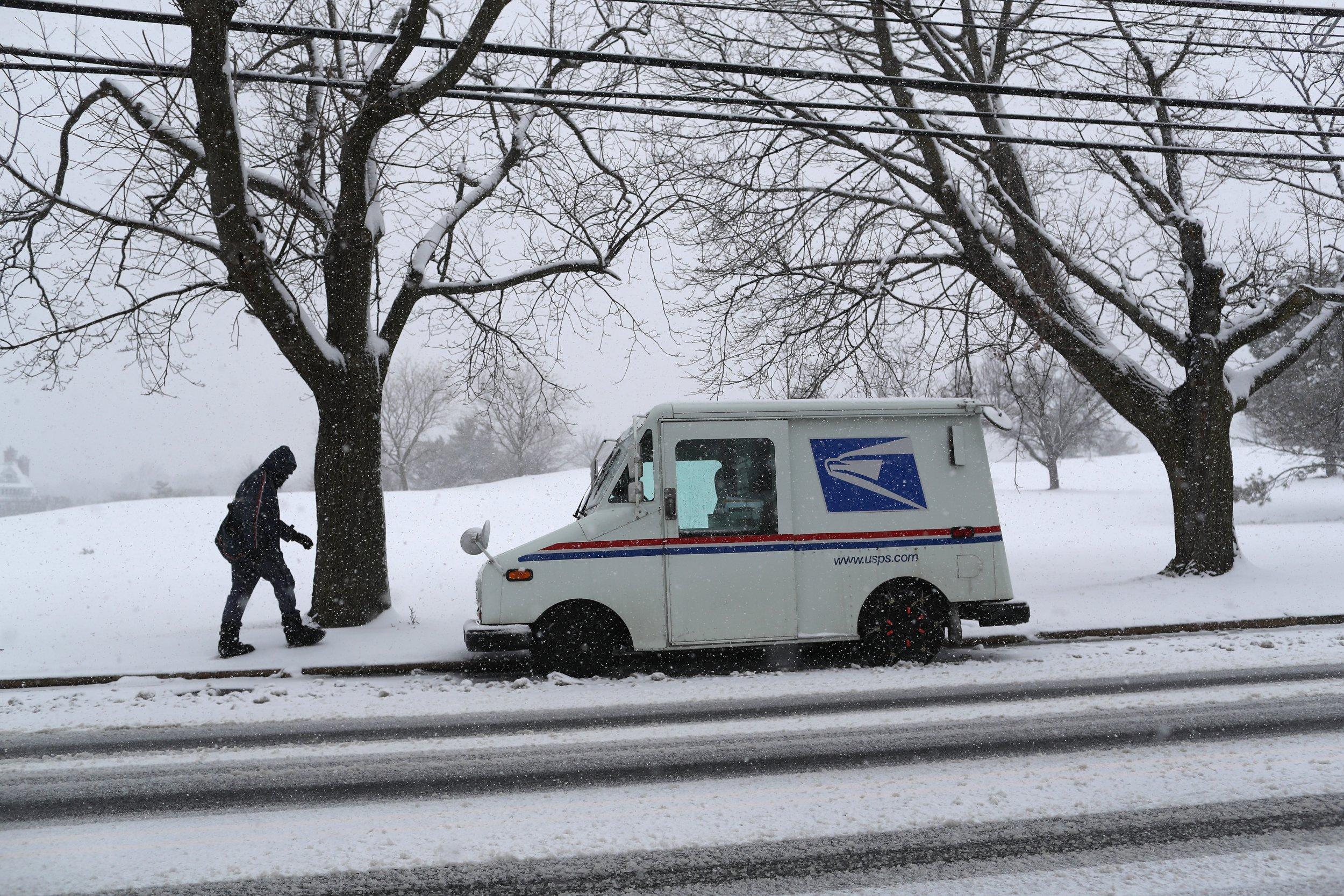 04_20_New_York_postman