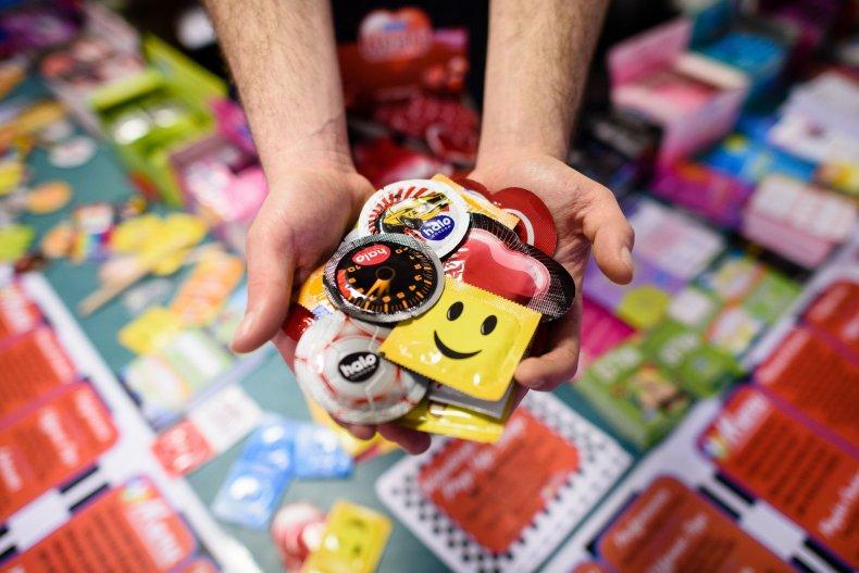 04_20_condoms