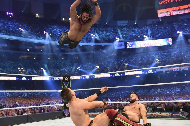 seth rollins triple threat wwe wrestlemania 34