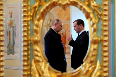 04_25_Putin_Medvedev
