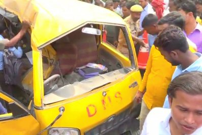 Indian school bus train crash