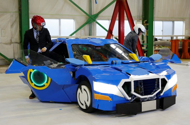 4_26_Transforming Robot Car