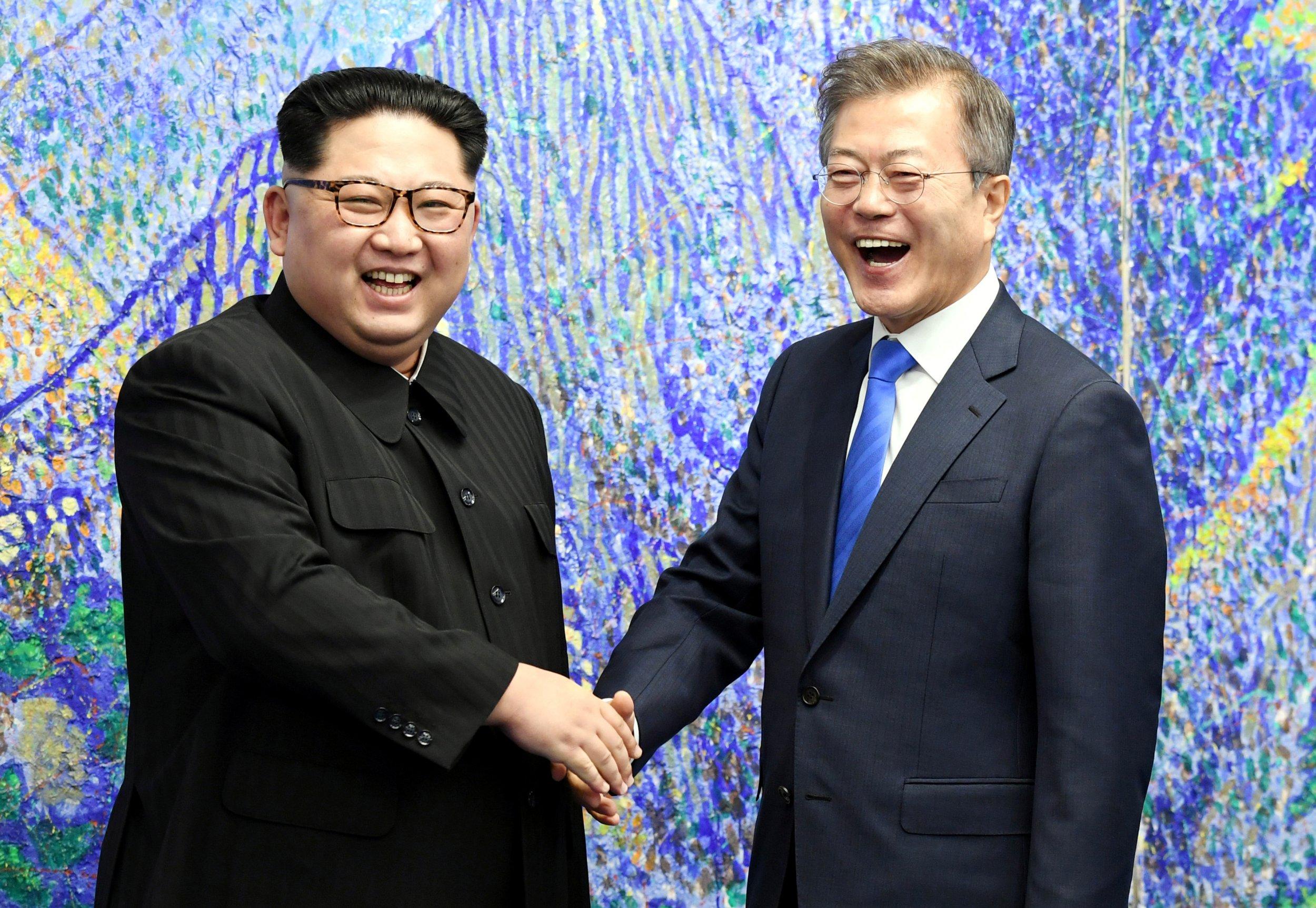 04_27_smiling_Leaders