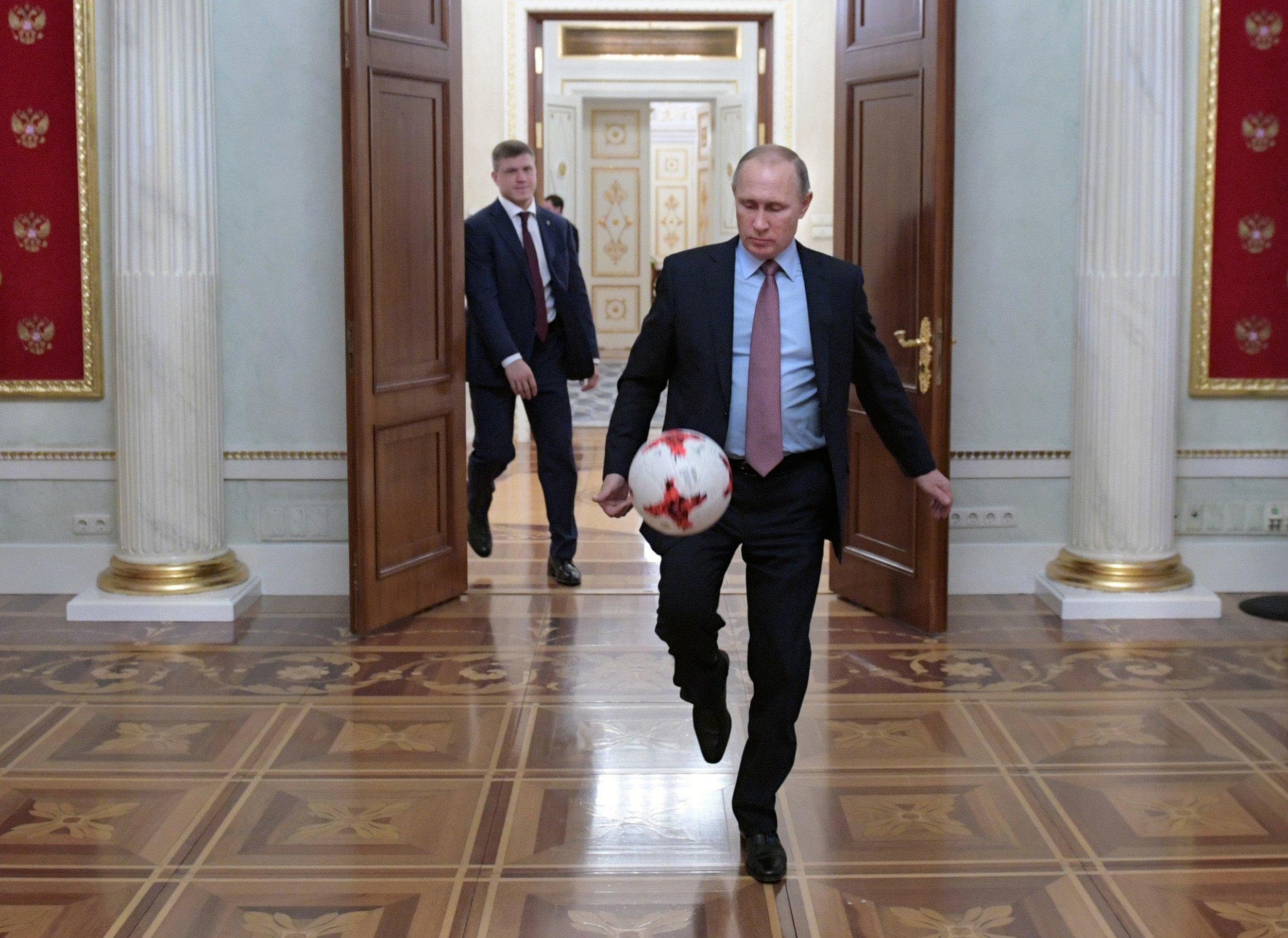 04_27_Putin_soccer