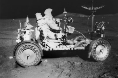 04_28_moon_rover