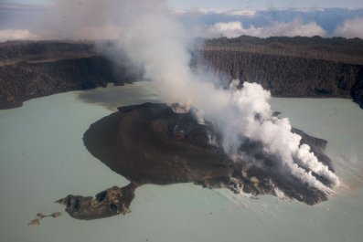 5_3_Ambae volcano