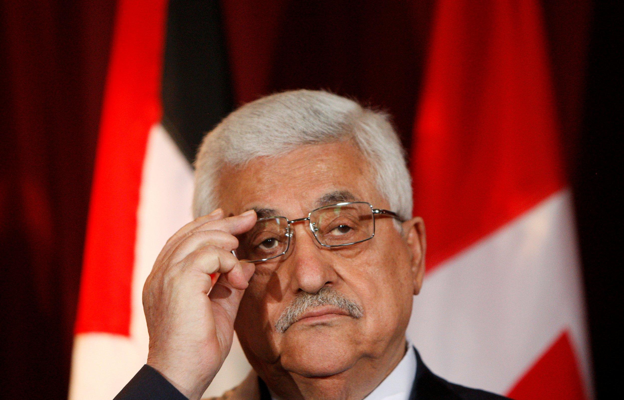 Mahmoud Abbas apologises for Holocaust speech