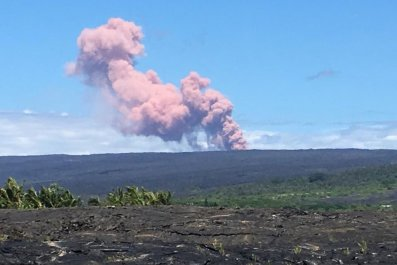 05_04_kilauea_eruption_ash