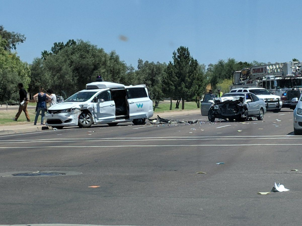 What To Do After a Car Accident in Arizona | DMV.com