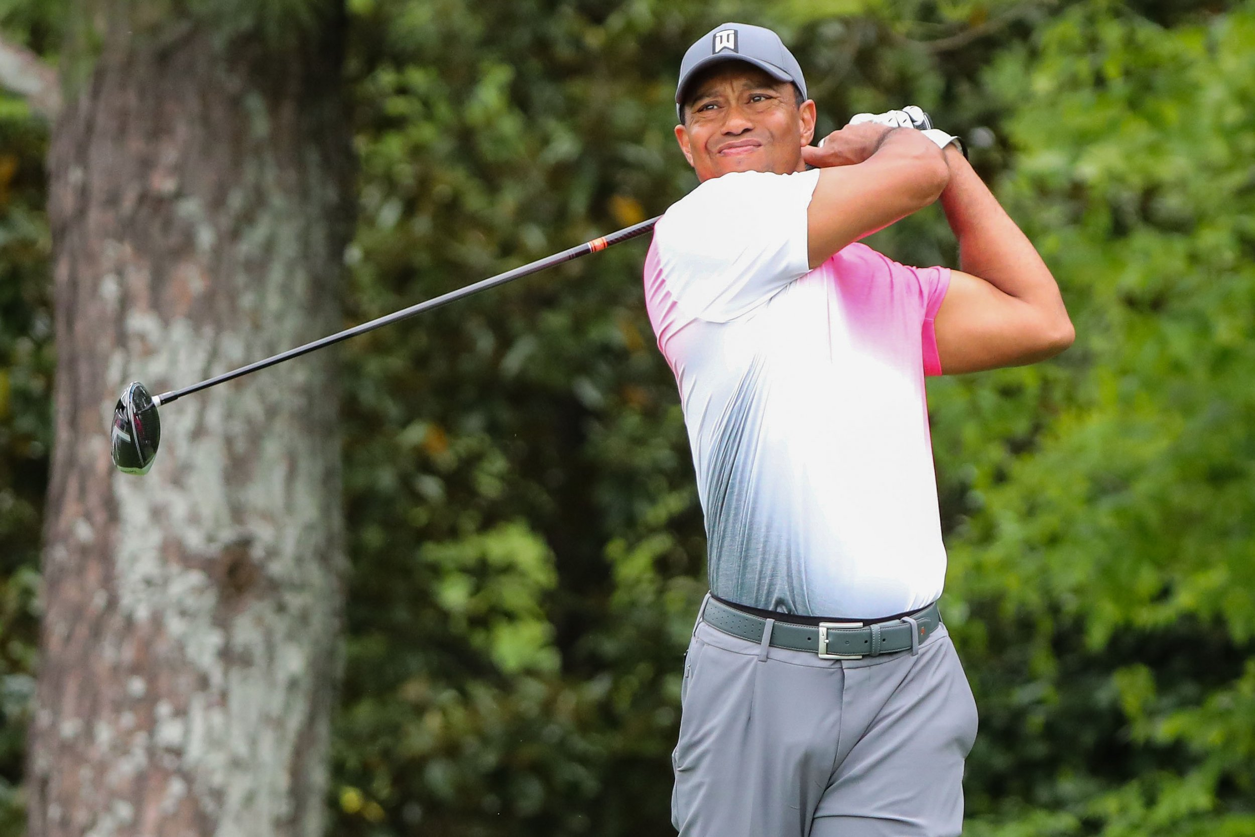 what time does tiger woods tee off sunday  dell