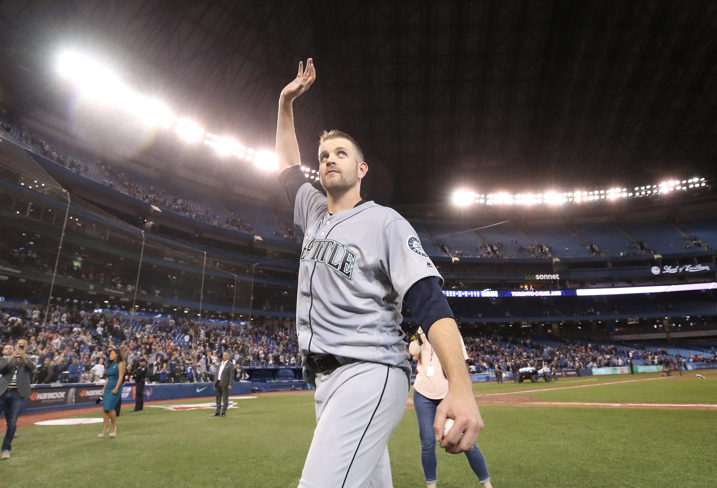 big sale 077ef 4f872 Mariners' James Paxton Makes History with No-Hitter Against ...