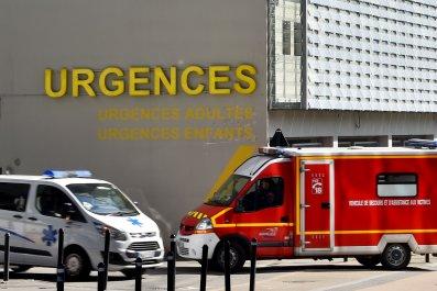 05_09_France_ambulance