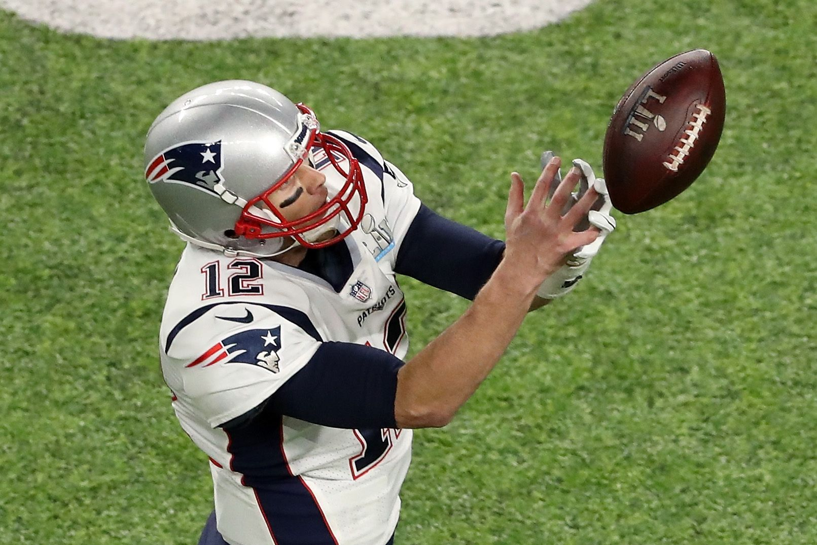 tom brady drops pass in super bowl