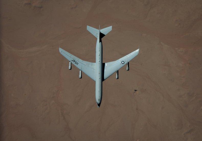 KC-135 refuels F-22, JSTARS