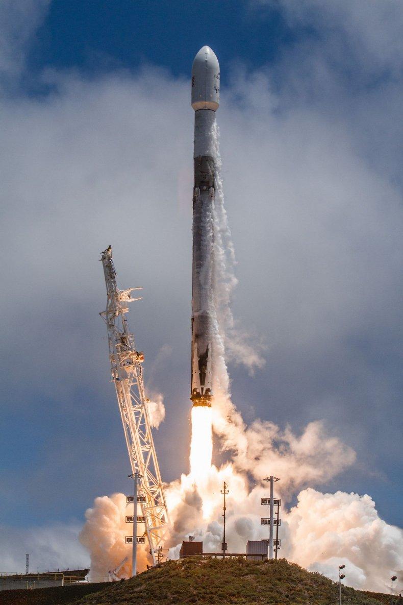 falcon 9 vandenberg launch