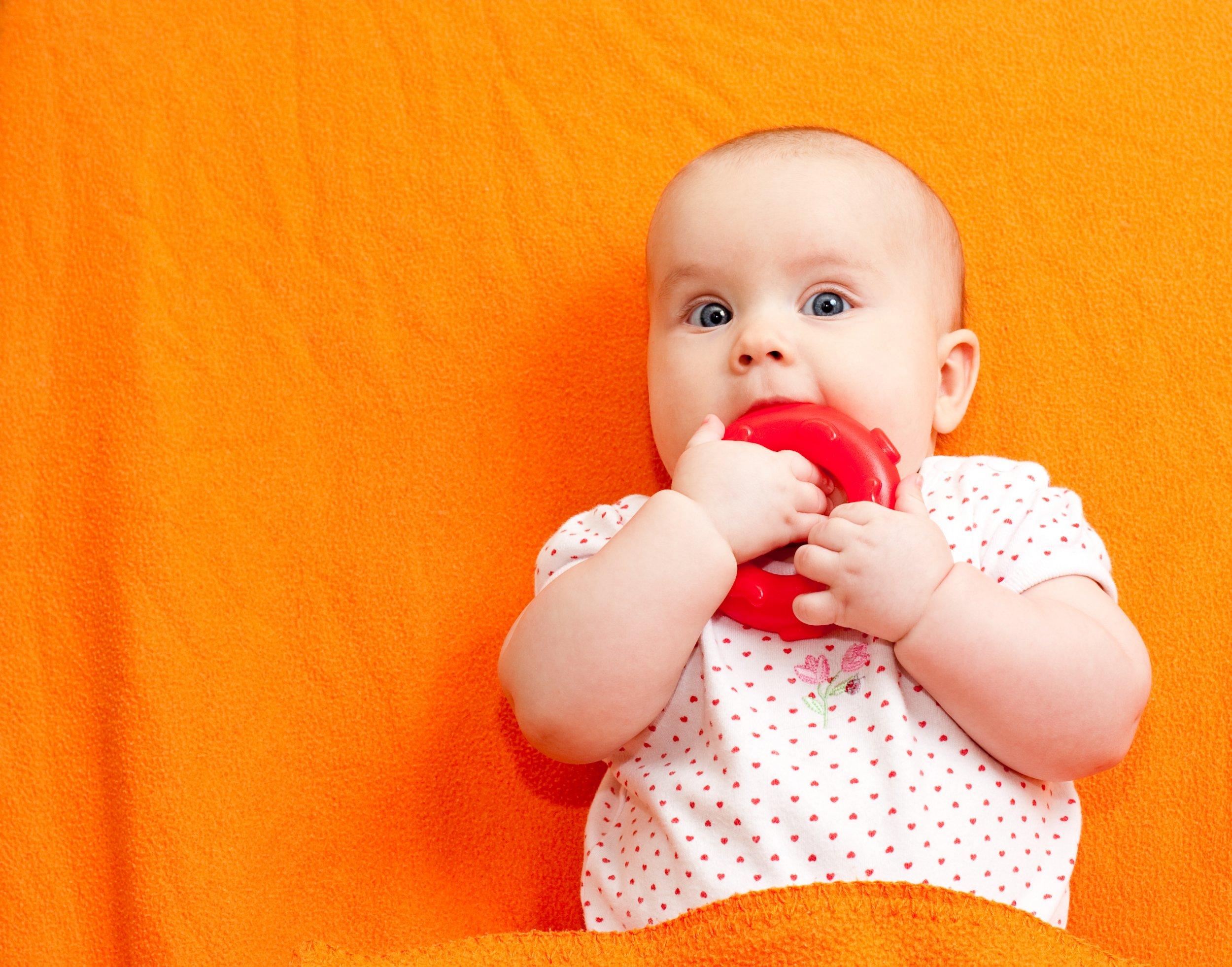 baby-teething-istock