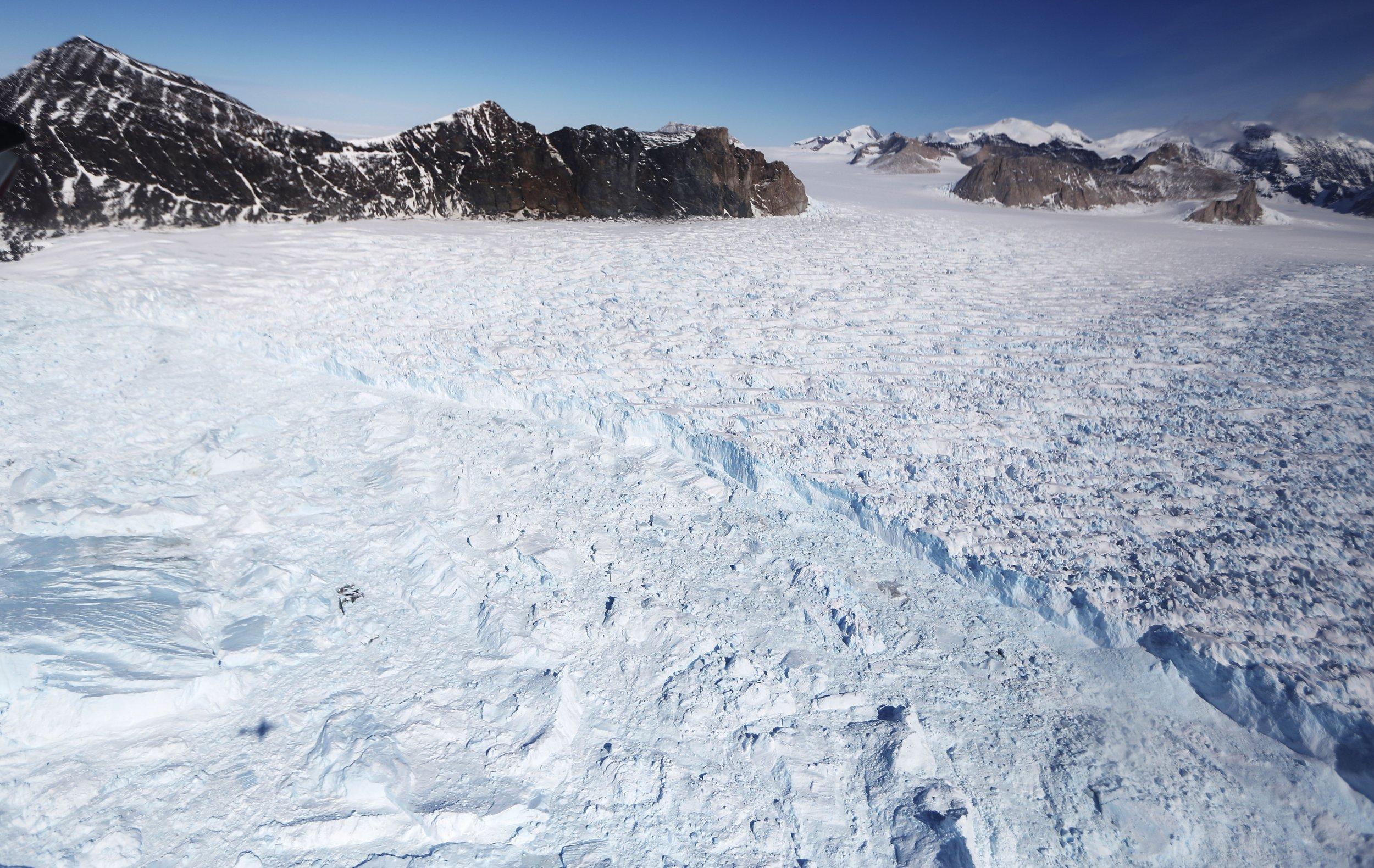 05_25_antarctic_ice_sheet