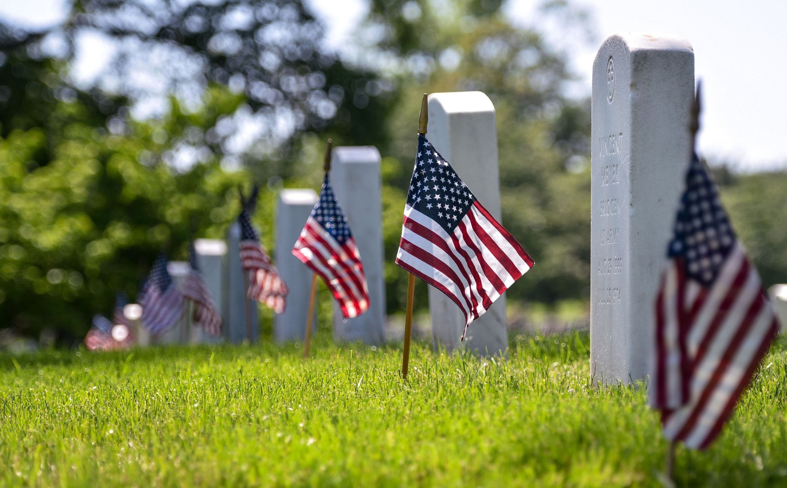Memorial Day 2019 Which Restaurants Are Open Closed Chipotle