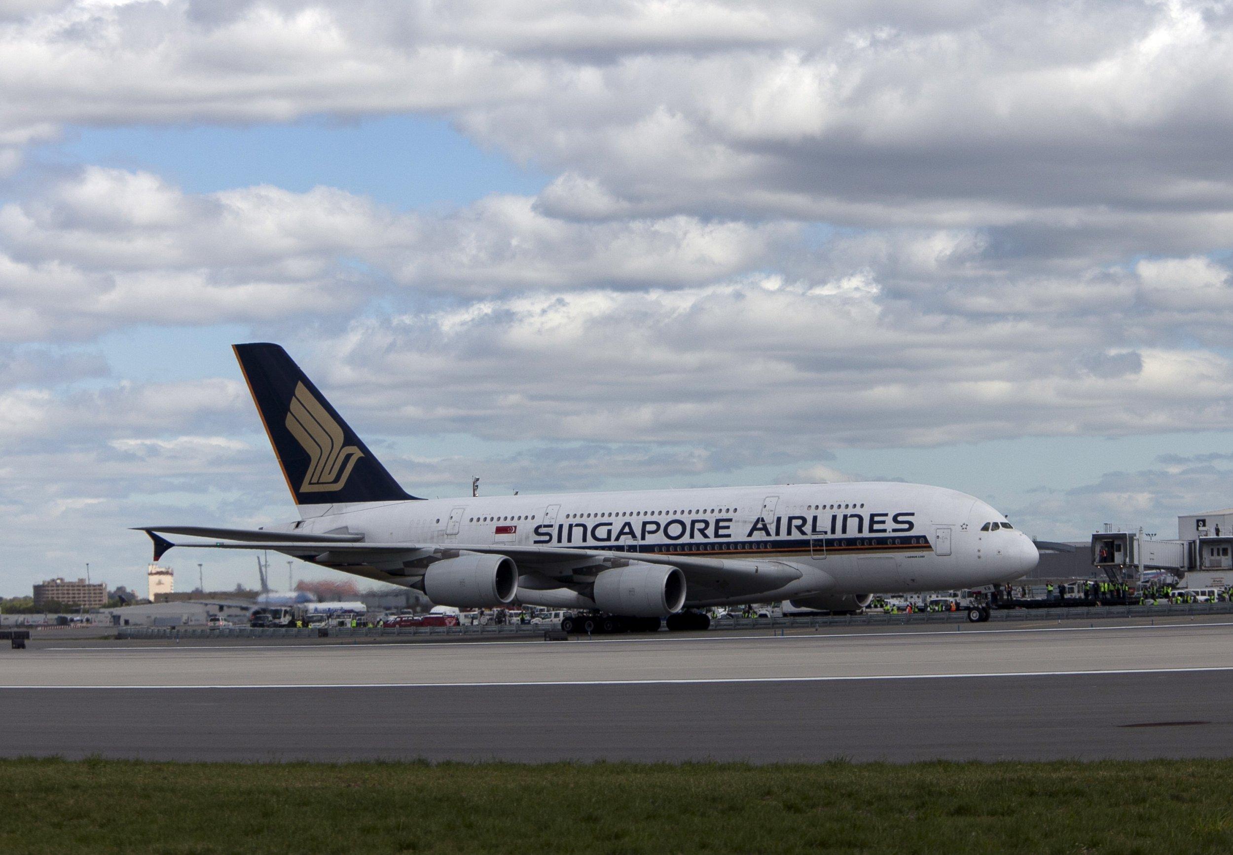 05_30_singapore-airlines