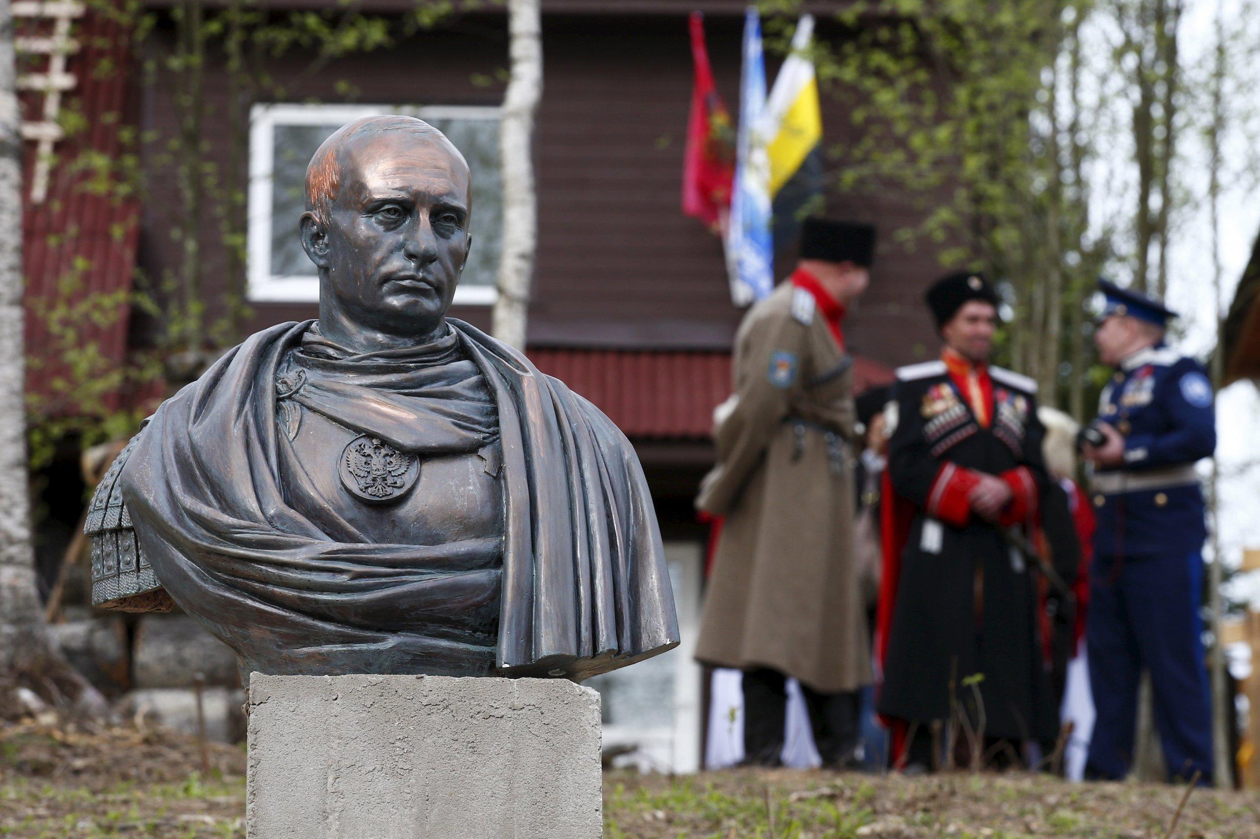 05_30_Putin_bust