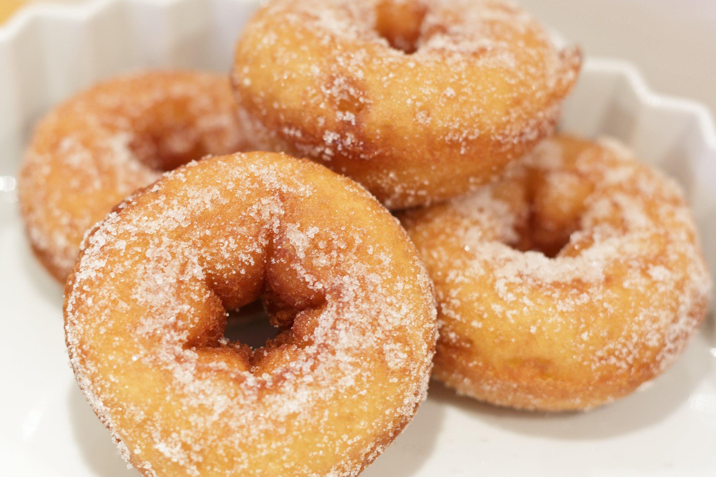 6_1_Sugared Doughnuts