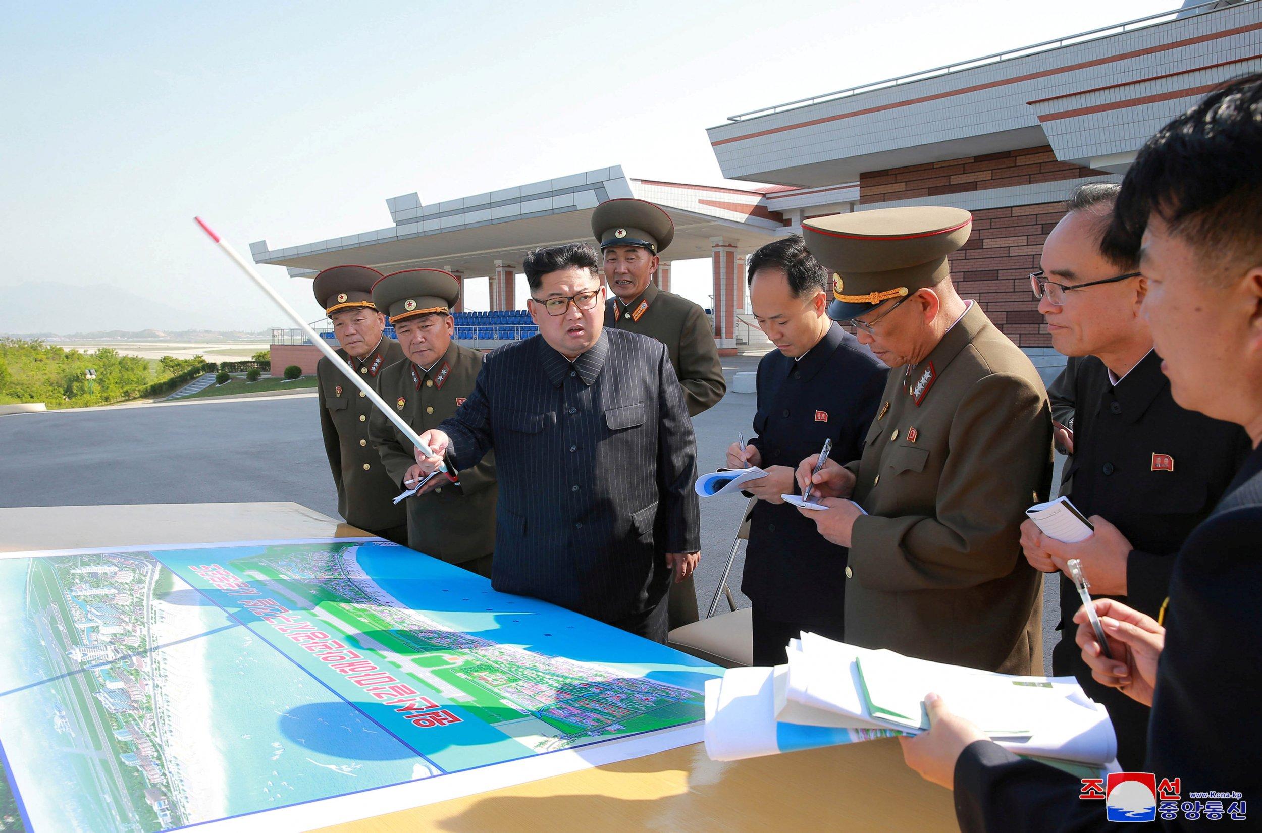 06_04_Kim_Military