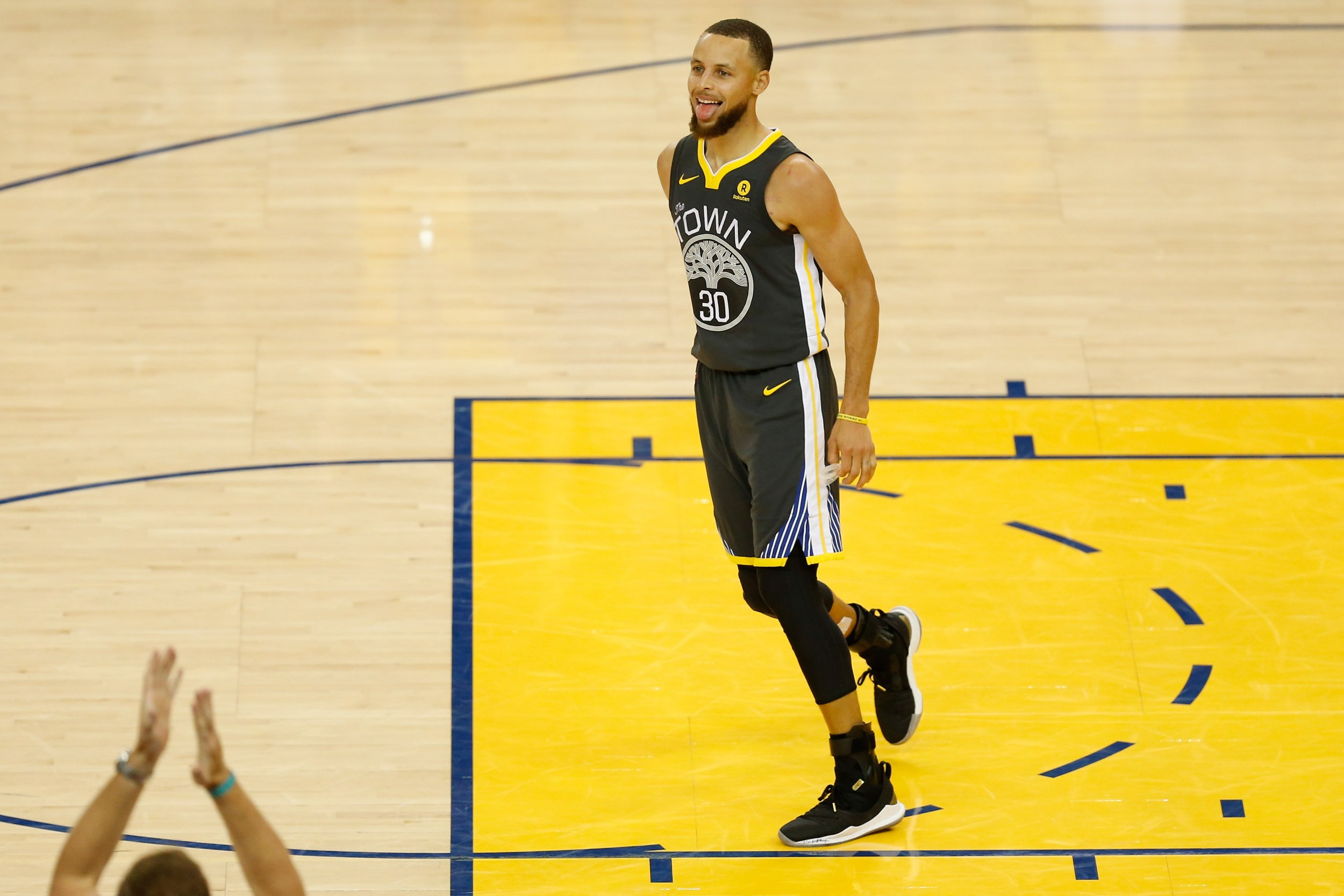 61f0f3b857fb Will Stephen Curry Be Named NBA Finals MVP after Making History