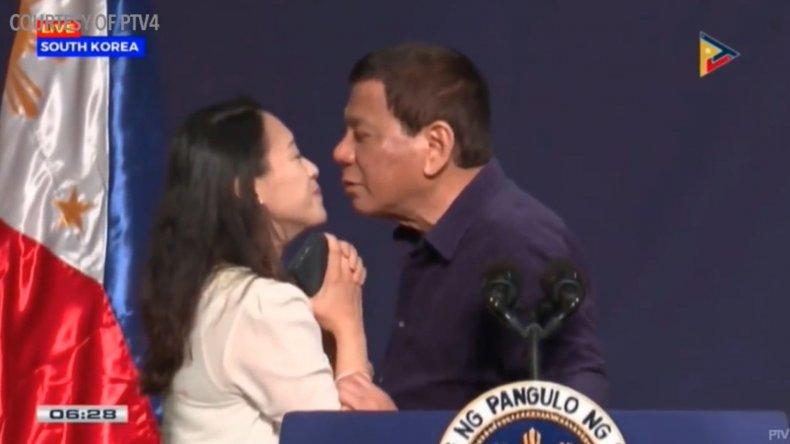06_04_Duterte_Kiss