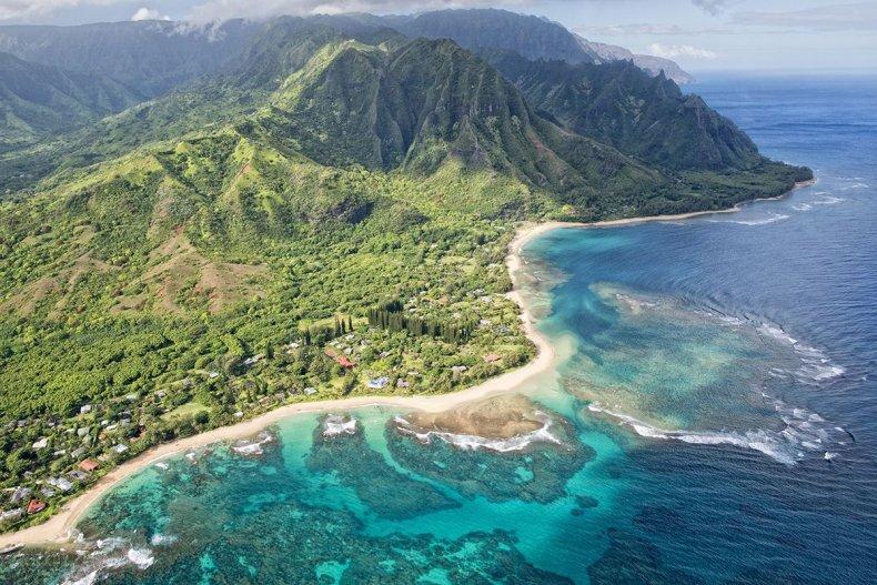 32 Tunnels Beach Hawaii