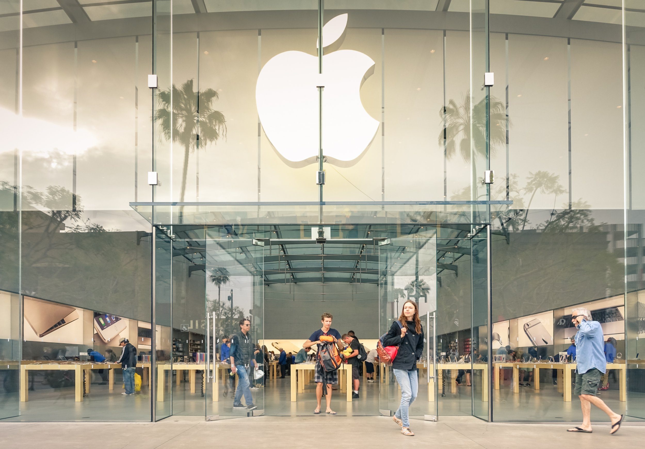 What Time Does the Apple Store Close Today (On Christmas Eve 2018)? Is the Apple Store Open On ...
